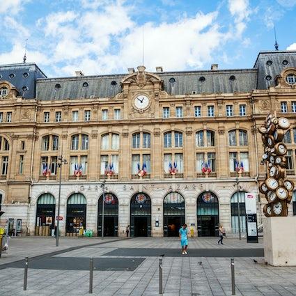 Les gares parisiennes : Saint-Lazare