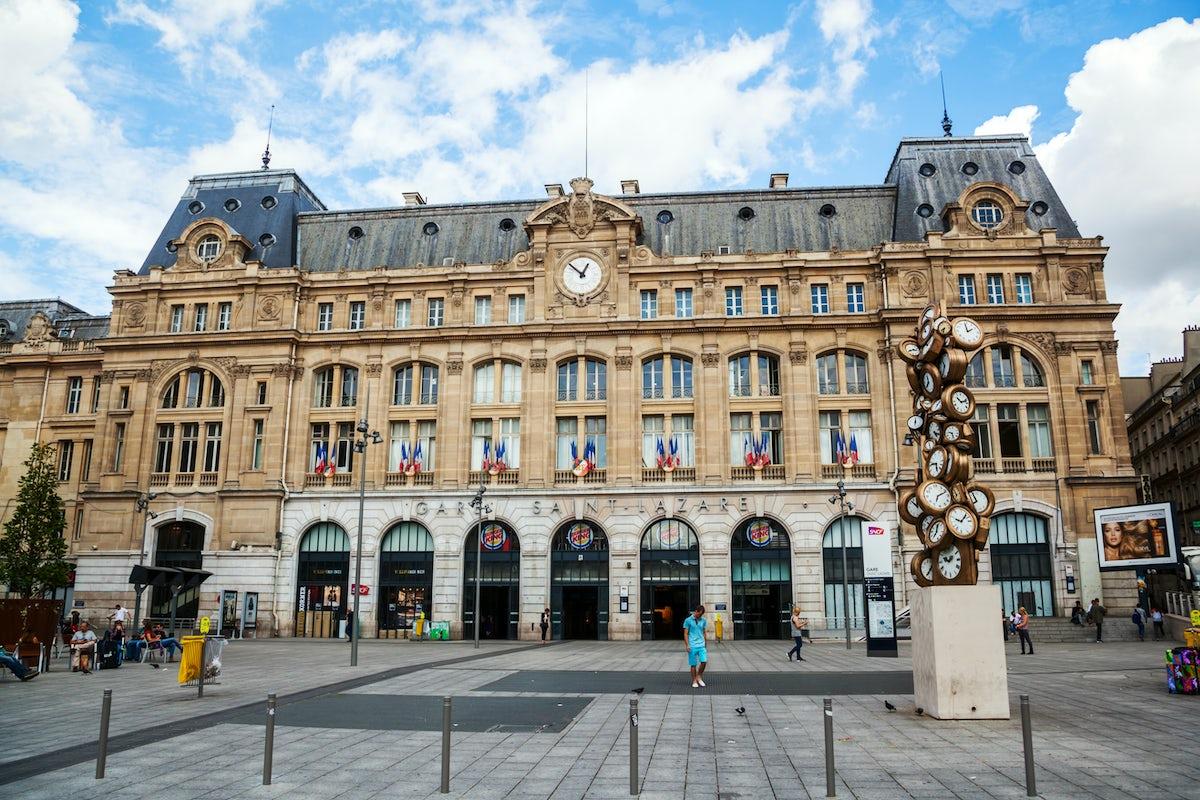Railway stations in Paris: Saint-Lazare