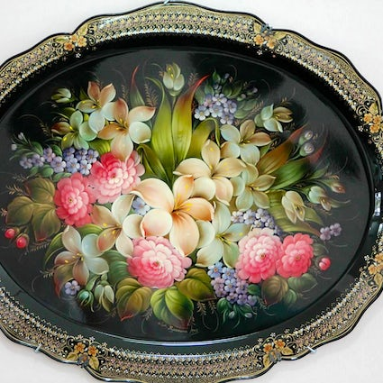 Zhostovo trays: bright flowers on the black field