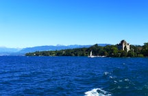 Going from Switzerland to France: a boat trip from Nyon to Yvoire