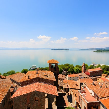 Discover lake Trasimeno and its picturesque villages