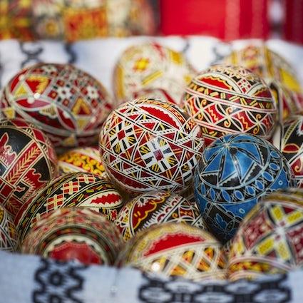 El arte de la decoración con huevo de Pascua en la Posada del Príncipe de Suceava
