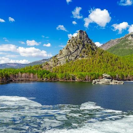 Leyendas y naturaleza - Okzhetpes y Zhumbaktas en Burabay