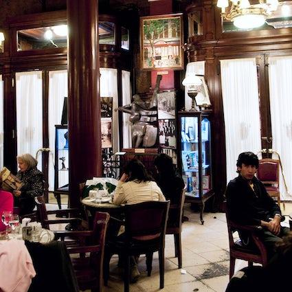 Emblematische Kaffeehäuser in Buenos Aires