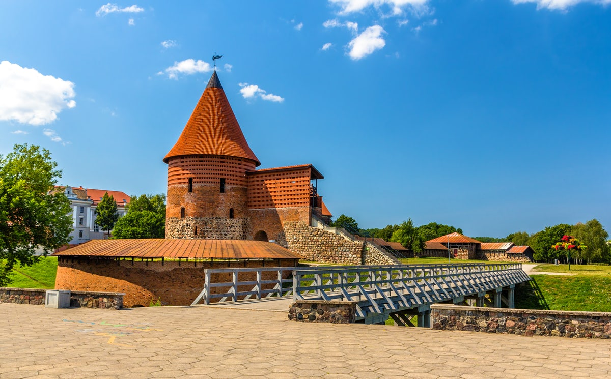 A Road trip to Panemunė. Explore Lithuanian castles and manors