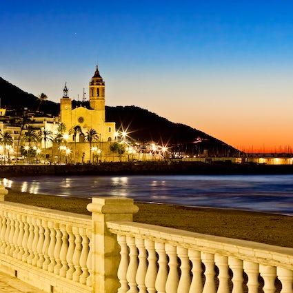 Escursione a Sitges: Una pittoresca città di mare