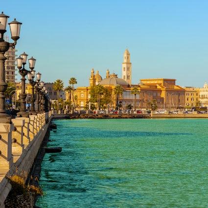 Entdecken Sie Bari - eine Metropole mit historischem Charme.