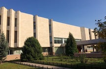 Lernen Sie die kasachische Kunst im A. Kasteev Museum in Almaty kennen.