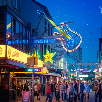 The famous Reeperbahn and the nightlife in Hamburg!