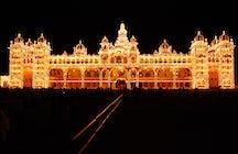 Beeindruckende Sehenswürdigkeiten: Mysore-Palast und Brindavan-Gärten
