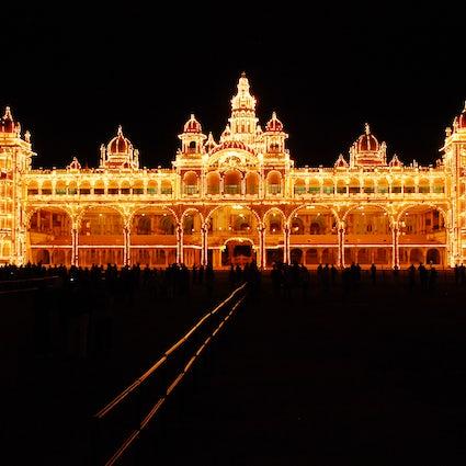 Imponujące widoki: Pałac Mysore i Ogrody Brindavan
