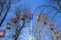 Rides and relaxation in Chelyuskintsev Park in Minsk