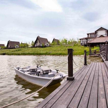 Das Paradies auf Erden: stiller See Shamakhi und Safaripark