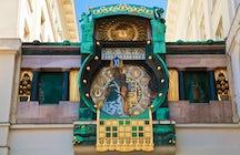 Siempre es el momento adecuado para Ankeruhr, el famoso reloj de Viena.