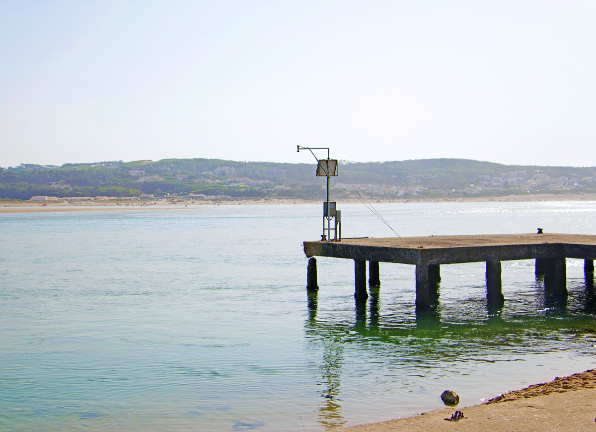 Foz do Arelho: the sea, the village, and the lagoon