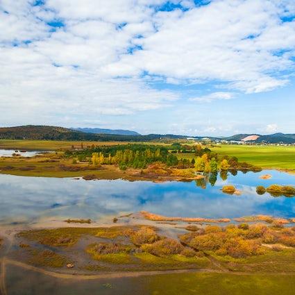 Ein einzigartiger intermittierender See in Slowenien: Cerknica See