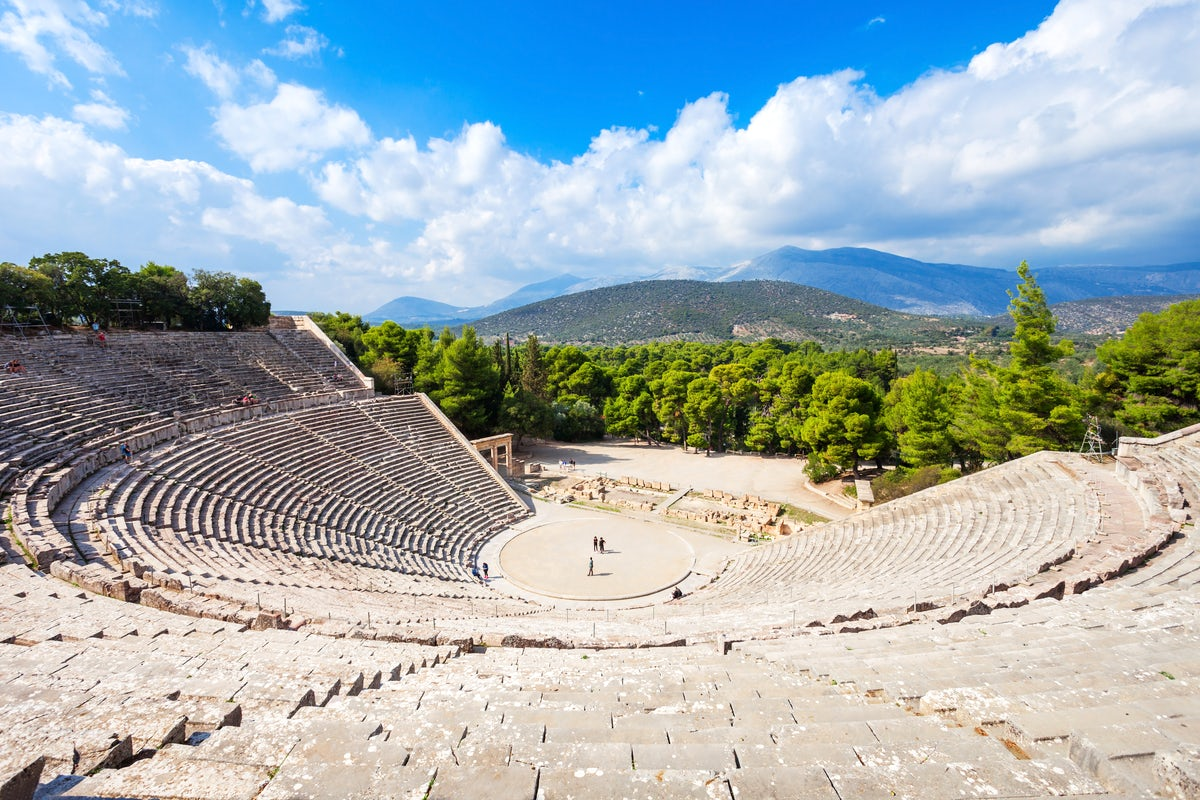 Where to travel in Greece based on your personality; The artsy type of traveller