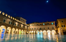 Piazzas in Italy: Piazza del Popolo, Ascoli Piceno