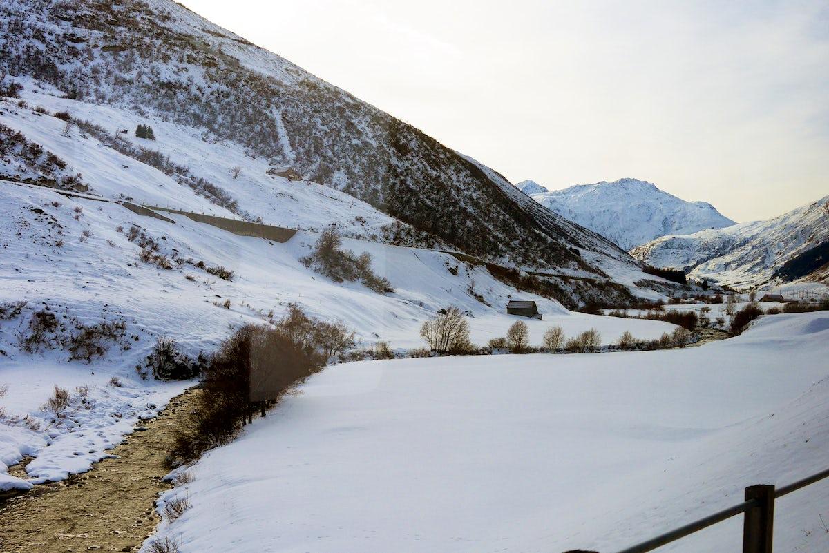 Swiss trains - A journey from Uri to Oberwallis