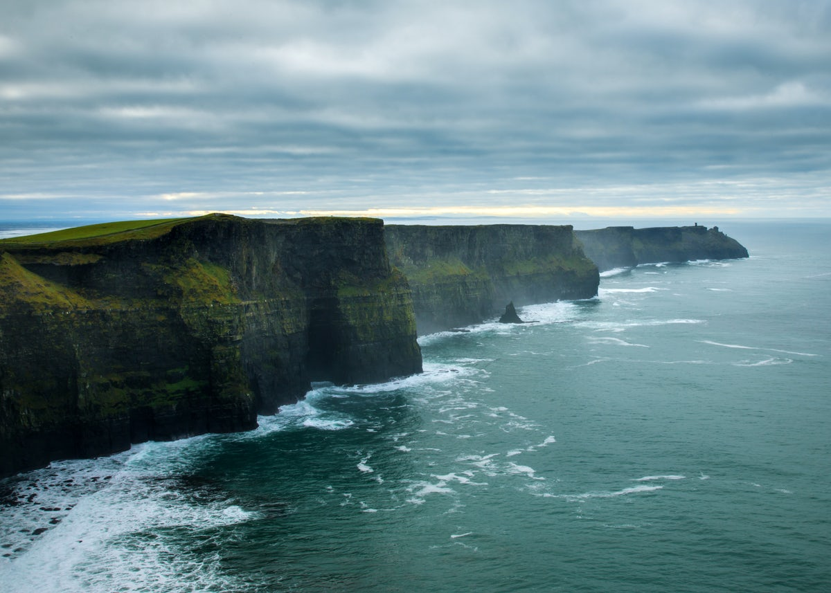 """Music, waves & """"Tinder"""" in County Clare"""