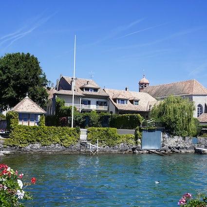 Coppet: Una ciudad encantadora a orillas del Lago Lemán