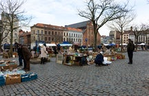 Visiting The Flea Market and its Neighbourhood in Brussels