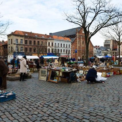 Visitare il Mercato delle Pulci e il suo Quartiere a Bruxelles