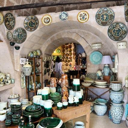 The meaningful ceramic handcraft of Apulia