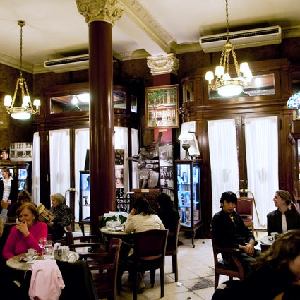 Emblematic coffee houses in Buenos Aires
