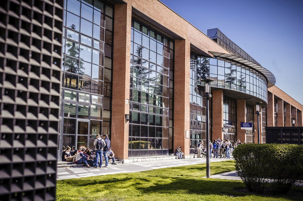 Welcome to the Universidad Carlos III de Madrid; A short guide to the student life.