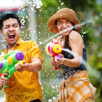 Songkran, das Festival des Wasserspritzens in Thailand.