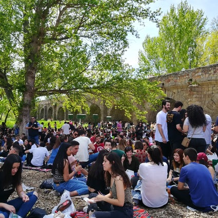 "Easter Monday at Salamanca's riverside - a ""traditional"" party"