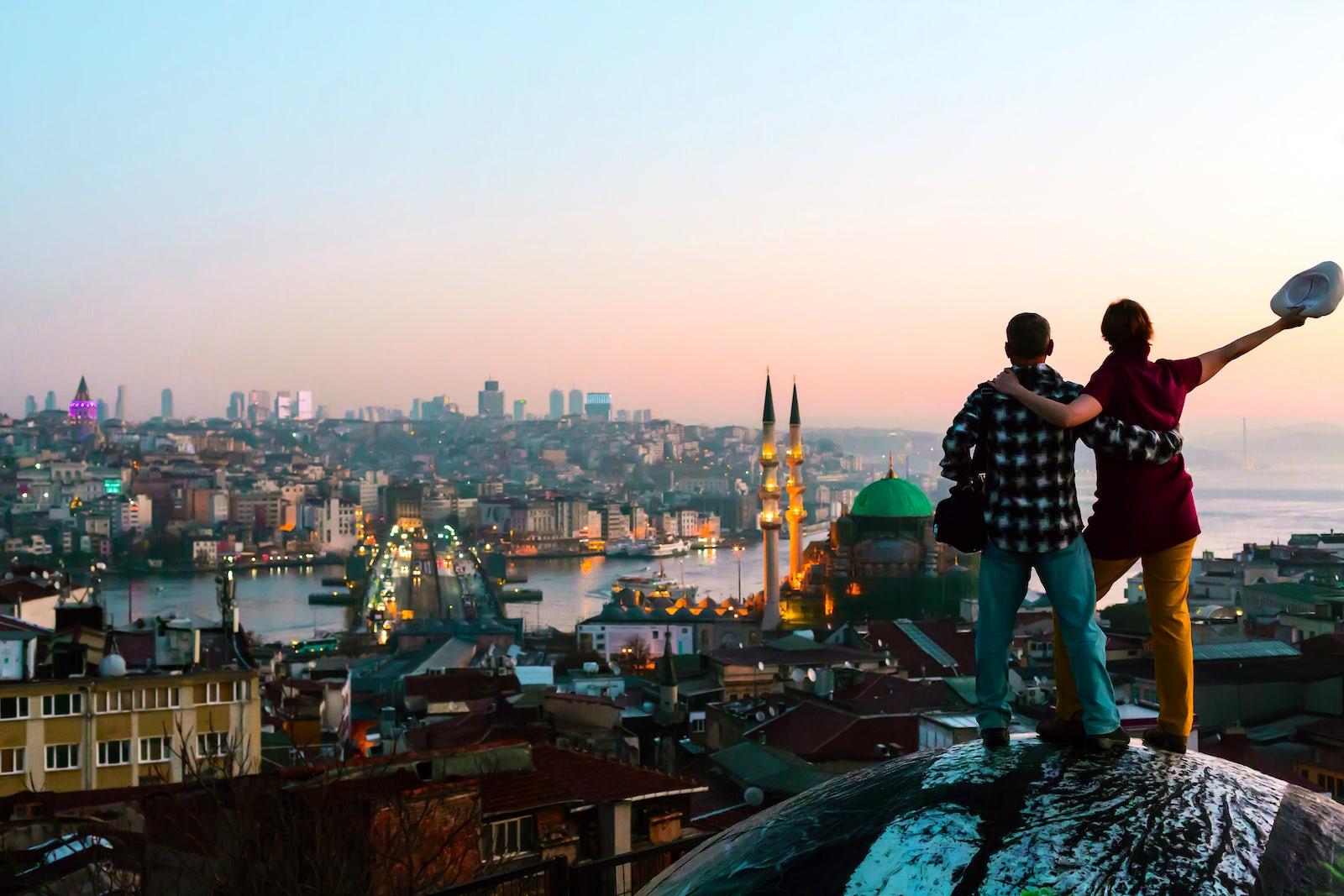 CoverPicture © Credits to iStock/AlexBrylov