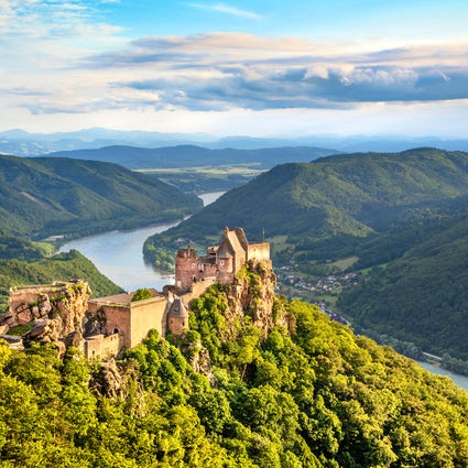 Pirates of the Danube and the ruins of Aggstein Castle