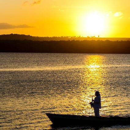 Playa Jacaré y atardecer musical en Cabedelo, Paraíba