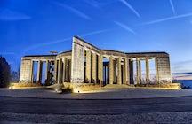 World war memorials and historic sites
