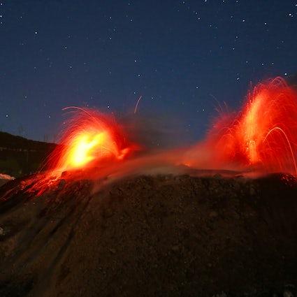 Escalar un volcán en erupción: Monte Ibu, Halmahera