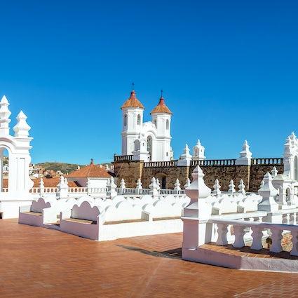 Visitando las majestuosas iglesias de Sucre