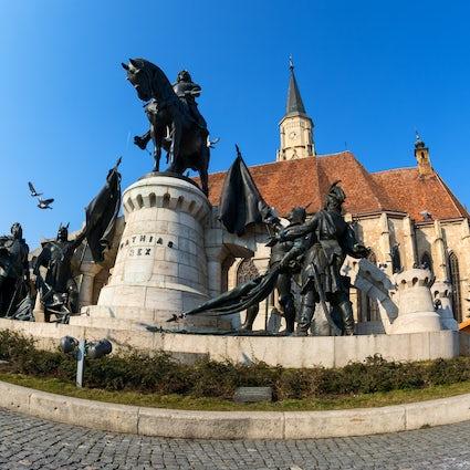 Explore the Cluj-Napoca's center - Piața Unirii