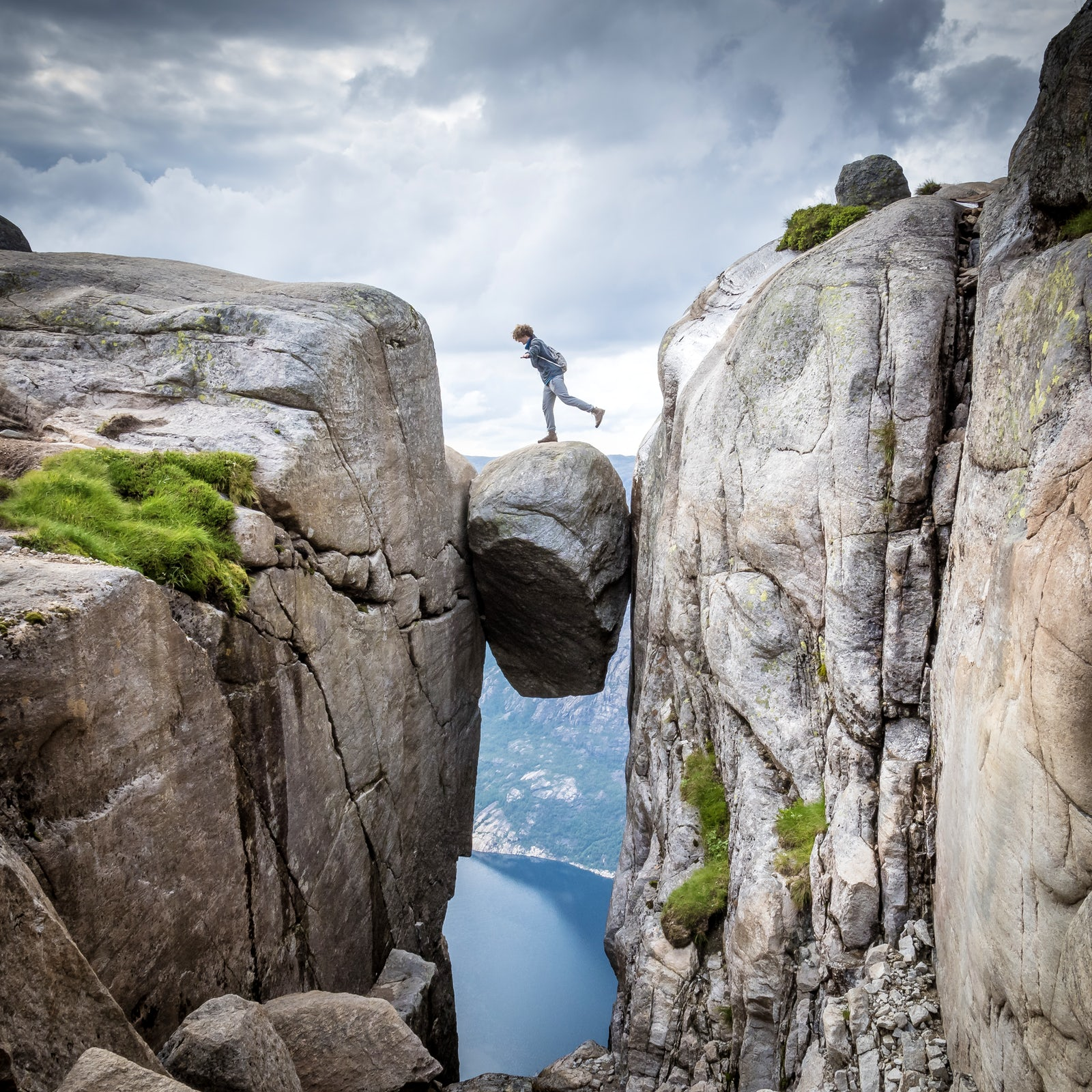 A brave person standing on the rock. Photo ©: dziambel