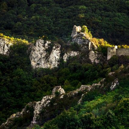 Una excursión aventurera a la antigua ciudad de Sokograd