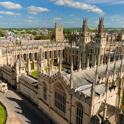 La Ciudad de las Espirales Soñadoras: Oxford