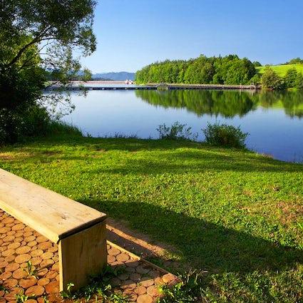 An afternoon getaway to lake Šmartno