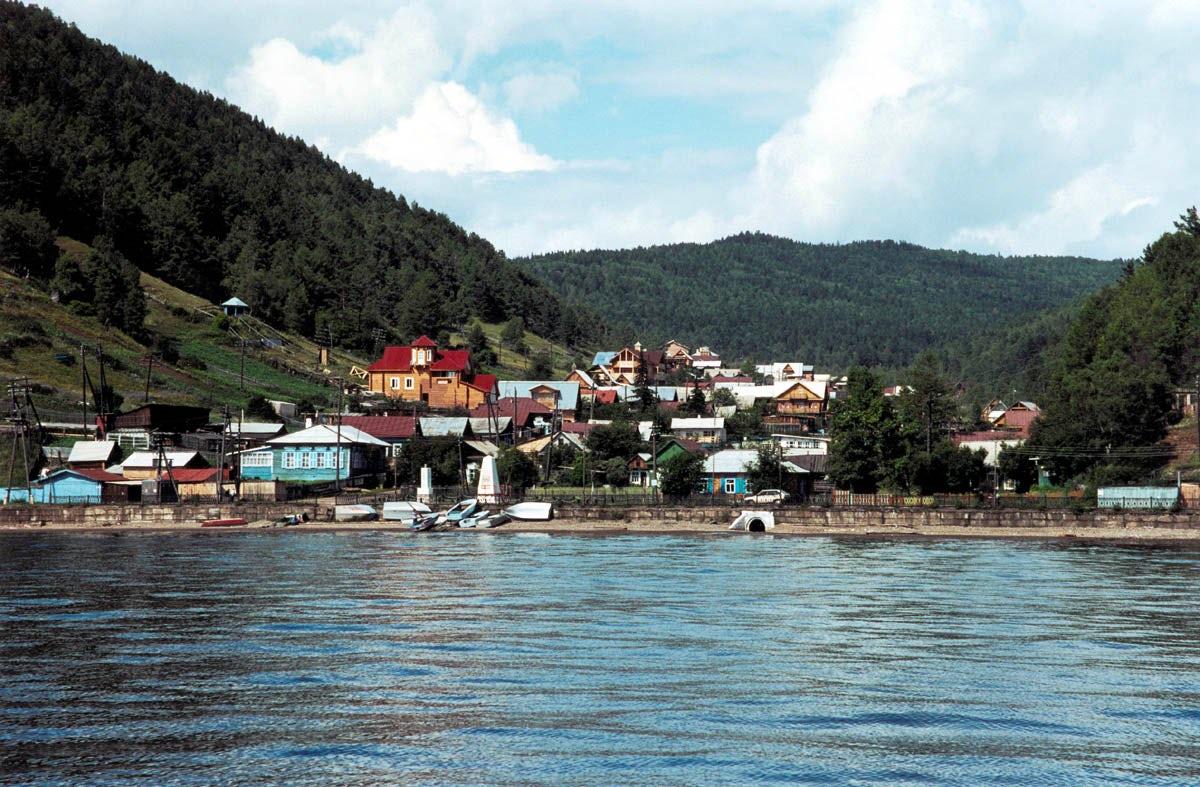 Major lake pearls not to miss in Listvyanka