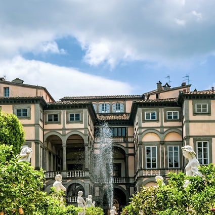 A tour around the impressive Lucca villas in Tuscany