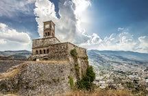 Gjirokastër, en Albanie: une ville de pierre et d'histoire