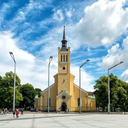 Freedom Square in Tallinn: a symbol of liberty