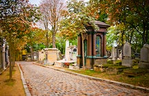 Famous cemeteries in Paris: Pere Lachaise