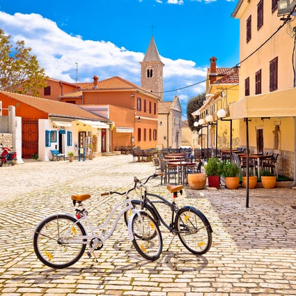 Cycle around Zadar region - town tour