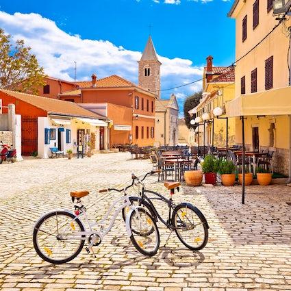 Cycle around Zadar region - town tour